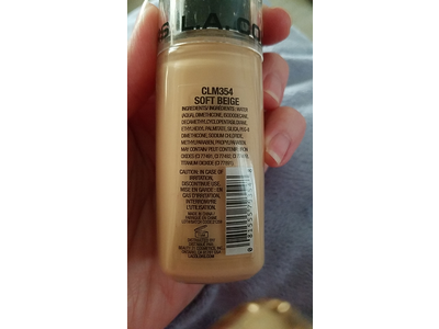 L.A. Colors Truly Matte Foundation, Soft Beige, Natural, Porcelain, Cafe, 1 fl oz - Image 4