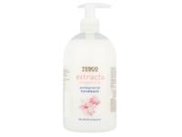 Tesco Extracts Antibacterial Handwash, Magnolia, 500 mL - Image 2