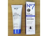 No7 Lift and Luminate Triple Action Day Cream Sunscreen SPF 30, 25 mL - Image 2