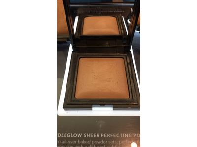 Laura Mercier Candleglow Sheer Perfecting Powder, 0.3 oz - Image 3