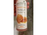 Biotique Honey Gel Refreshing Foaming Face Cleanser, 120 mL - Image 3