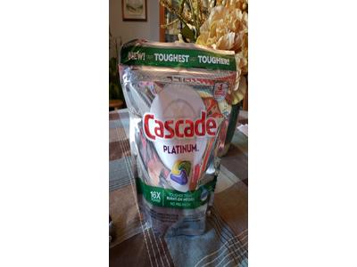 Cascade Platinum ActionPacs Dishwasher Detergent Lemon Scent, 18 ct - Image 4