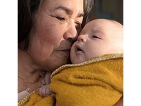 Johnson's Head-to-Toe Gentle Tear- Free Baby Wash & Shampoo for Baby's Sensitive Skin, 16.9 fl. oz - Image 6