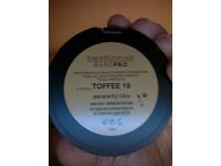 bareMinerals Barepro Performance Wear Powder Foundation, Toffee, 0.35 oz - Image 4