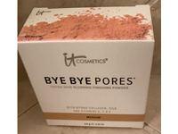 It Cosmetics Bye Bye Pores Tinted Skin-Blurring Finishing Powder, Medium, 0.24 oz/6.8 g - Image 3