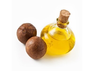 Sweet Essentials 100% Pure Cold Pressed Organic Virgin / Unrefined Macadamia Nut Oil - Image 4