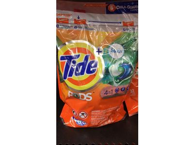 Tide PODS + Febreze 4 in 1 Odor Defense Botanical Rain HE Laundry Detergent Pacs, 32 ct - Image 3