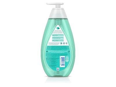 Johnson's No More Tangles Shampoo, 20.3 fl. oz - Image 3
