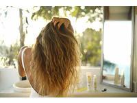 Sun Bum Curls & Waves Detangler Spray Leave in Hair Treatment - Detangling Spray, 4 fl oz - Image 8