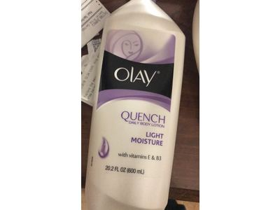 Olay Quench Daily Body Lotion - Light Moisture - With Vitamins E & B3 - Net Wt. 20.2 FL OZ (600 mL) - Image 4
