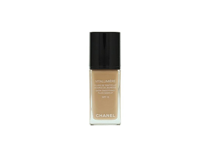 Chanel Vitalumiere Satin Smoothing Fluid Makeup SPF 15, 40 Beige, 1 Ounce