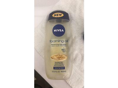 Nivea Foaming Oil Moisturizing Body Wash, Herbal Spa Scent, 13.5 fl oz - Image 3