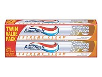 Aquafresh Extreme Clean Whitening Action Twin Pack Toothpaste, 5.6 Ounce - Image 2