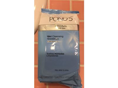 Pond's Original Fresh Wet Cleansing Towelettes, 30 count - Image 3