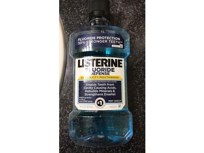 Listerine Fluoride Defense Anticavity Mouthwash, Mint Shield, 1.0 L - Image 4