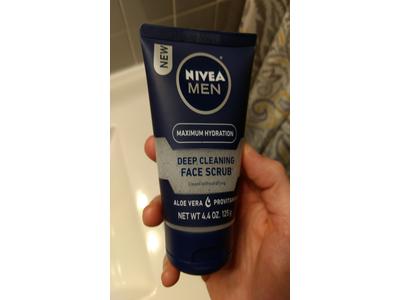 Nivea for Men Revitalizing Face Scrub, 4.4-Ounce - Image 3