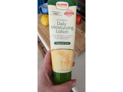 Family Dollar Oatmeal Daily Moisturizing Lotion, Fragrance Free, 8 fl oz