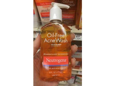 Neutrogena Oil-Free Acne Wash, 6 oz - Image 7