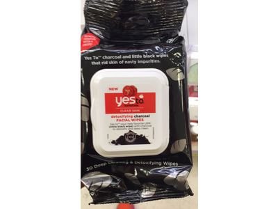 Yes to Tomatoes Detoxifying Charcoal Facial Wipes - Image 3