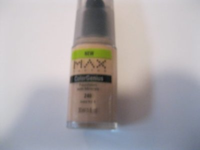 Max Factor ColorGenius with Minerals Foundation, Ivory 4 240 1 fl oz (30 ml) - Image 1