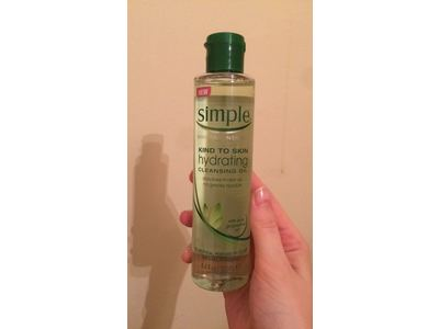 Simple Sensitive Skin Experts Hydrating Cleansing Oil, 4.4 fl oz - Image 3
