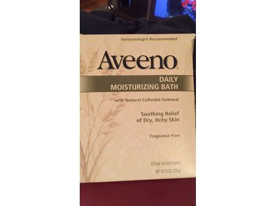 Aveeno Daily Moisturizing Bath with Natural Colloidal Oatmeal, Fragrance Free 8 bath packets 6 oz - Image 7