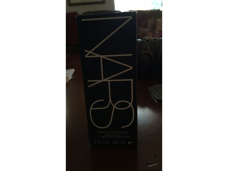 NARS Sheer Glow Foundation, Deauville