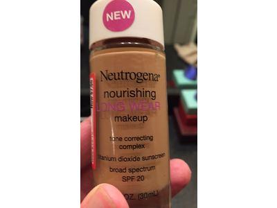 Neutrogena Nourishing Long Wear Liquid Makeup, Fresh Beige, 1 Fluid Ounce - Image 6